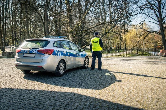 Policja Katowice: Podejrzewani o zniszczenie kamer - czy rozpoznajesz?