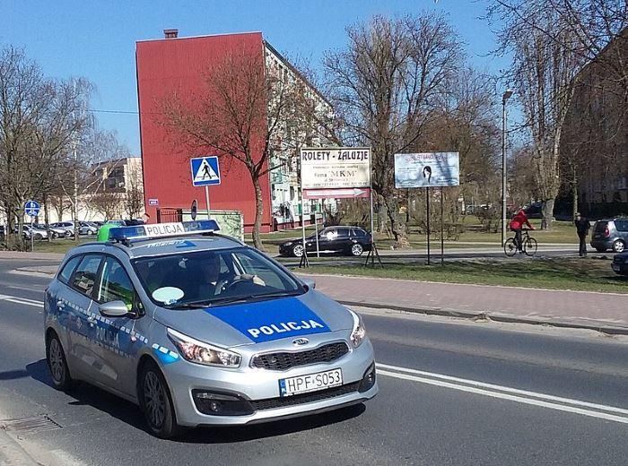 Policja Katowice: Zniszczył drzwi w samochodzie - czy rozpoznajesz?